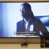 Billede af Go-box ved et TV hvor underteksterne læses