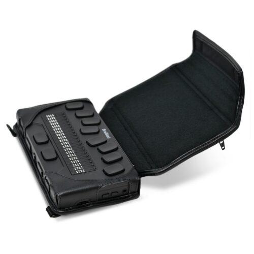 Billede af Brailliant BI 20X Læderetui med Brailliant BI 20X monteret i